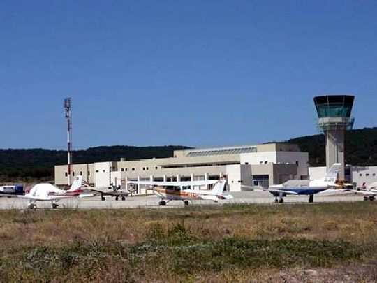 Аэропорт Бол на острове Брач