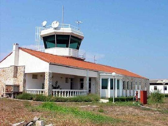 Здание аэропорта в г. Мали-Лошинь