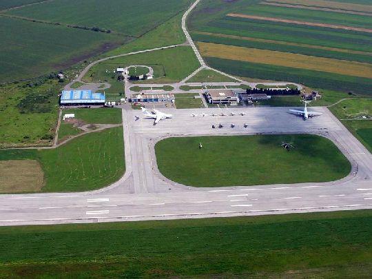 Вид на аэропорт Осиек с высоты птичьего полёта