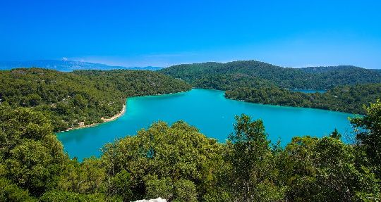 Солёные озёра - одна из главных достопримечательностей Млета