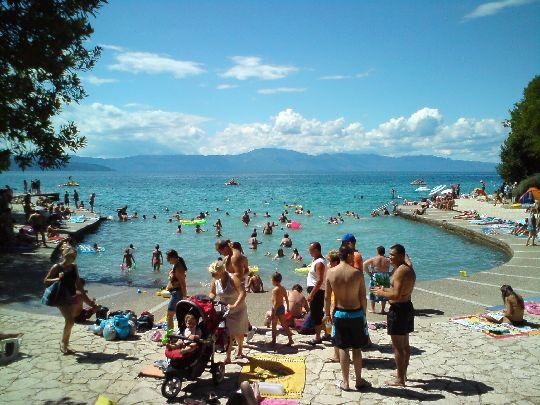 Пляж ''Rupa'' на курорте Млинск традиционно выбирают семьи с детьми