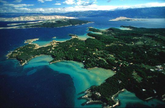 Остров Раб находится на севере Хорватии, в центральной части залива Кварнер