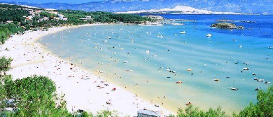 Благодаря огромному выбору пляжей о. Раб удовлетворяет вкусам самых разных туристов