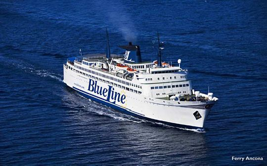 Паромная линия ''Blueline'' связывает Сплит и Анкону в течение круглого года