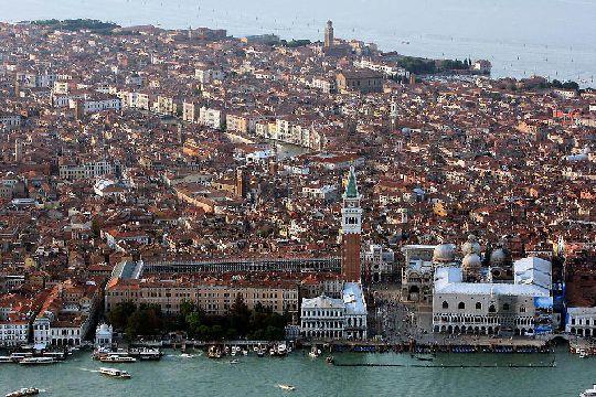 Венеция - это город, в котором необходимо оставаться дольше, чем на два дня